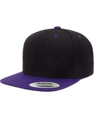 Classics™ Flat Bill Snapback Cap