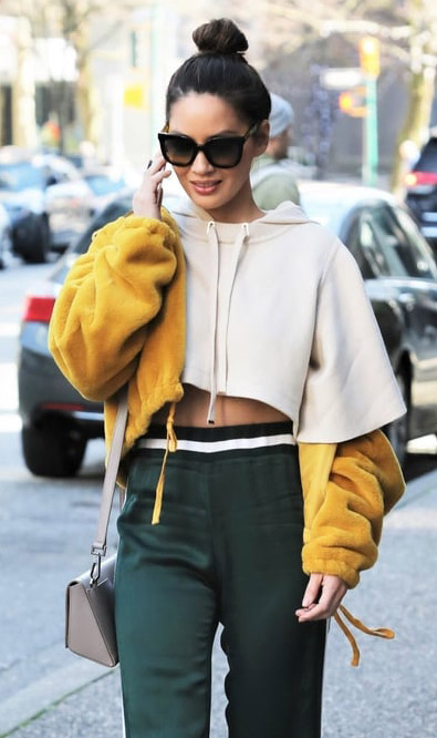 Olivia Munn Altheisure Cropped Hoodie